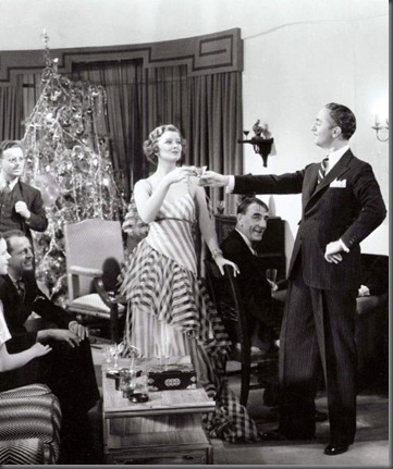Title: THIN MAN, THE ¥ Pers: LOY, MYRNA / POWELL, WILLIAM ¥ Year: 1934 ¥ Dir: VAN DYKE, W.S. ¥ Ref: THI004AM ¥ Credit: [ MGM / THE KOBAL COLLECTION ]
